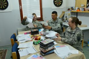 soldiers-reading-cards